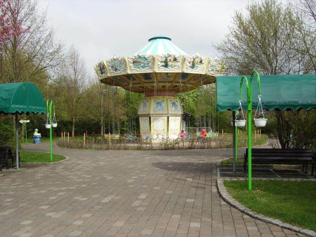 Ein Kettenkarrussell im Allgäu Skyline Park