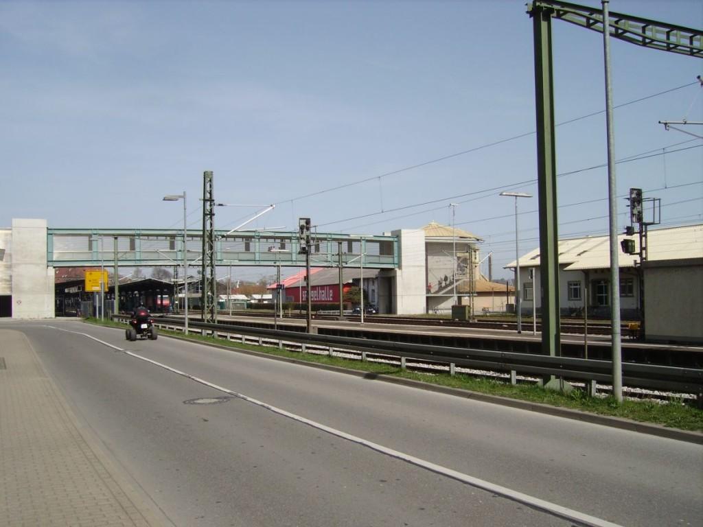 Bahnhof Konstanz, Überquerung für Fussgänger, mit Lift