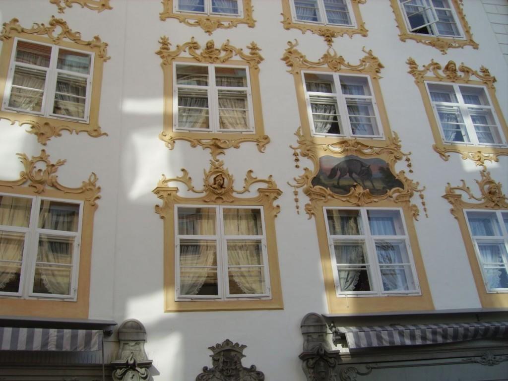 Prächtige Wandverzierungen, Altstadt Konstanz, Rosgartenstrasse