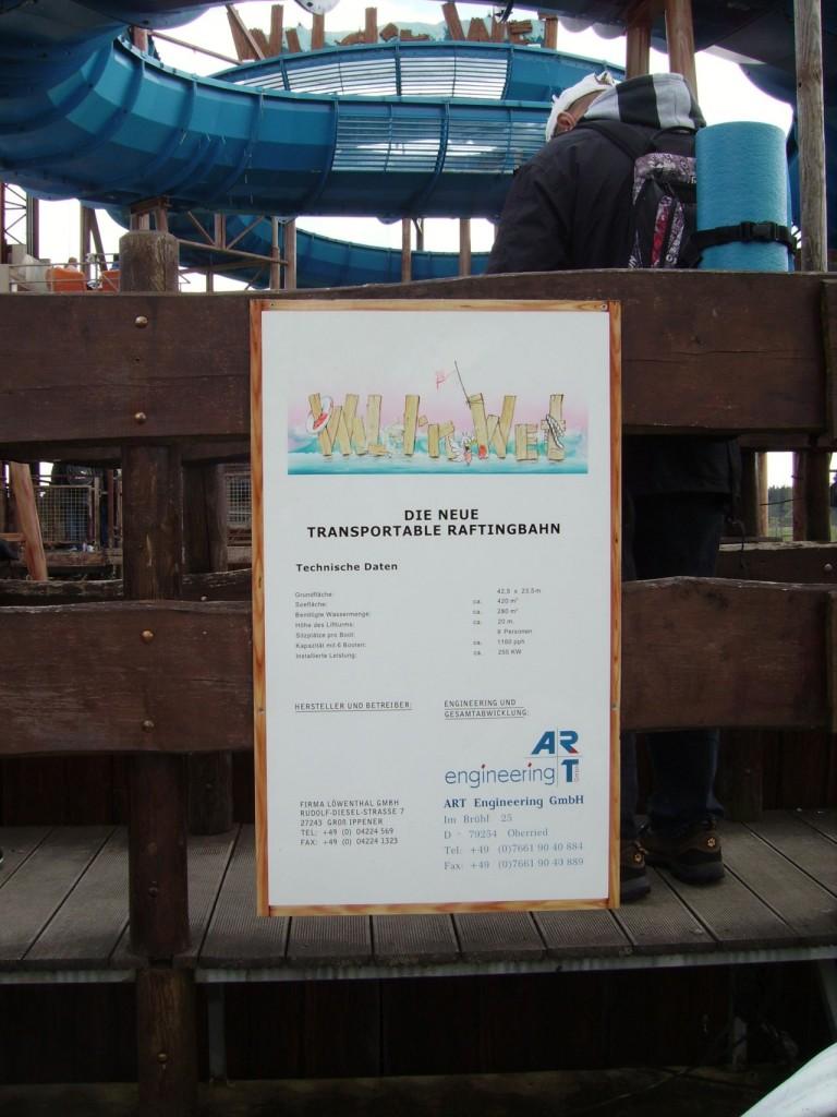 """Informationstafel zur """"Wild 'n Wet""""-Raftingbahn"""