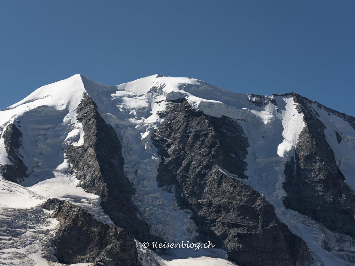 Berge und Gletscher pur