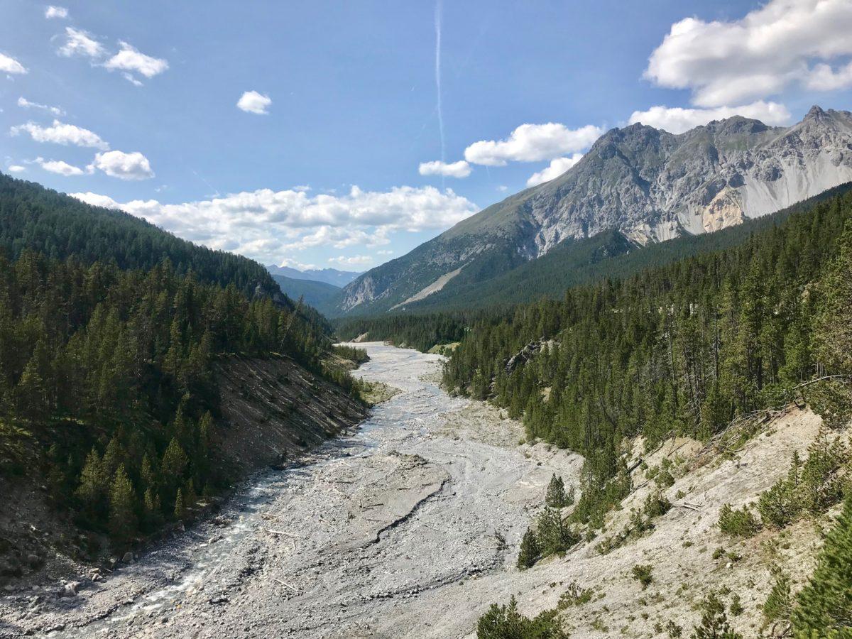 Nationalparkwanderung entlang der Ova dal Fuorn